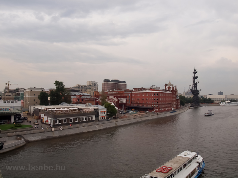 The Moskva river, the Red October chocolate factory and the Peter the Great statue, that was made of a Columbus statue by Ceterelli rejected by the Americans and erected here by the old roommate of the artist from college, the former mayor of Moscow, Luzhkov photo