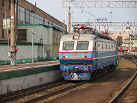 The RŽD ЧС2K-496 at Moscow Kazansky station