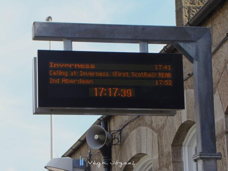 A következő vonat Invernessbe indult, de ezt mi már nem vártuk meg, elég volt ennyi gyors ismerkedésnek a Skót vasutakkal. fotó