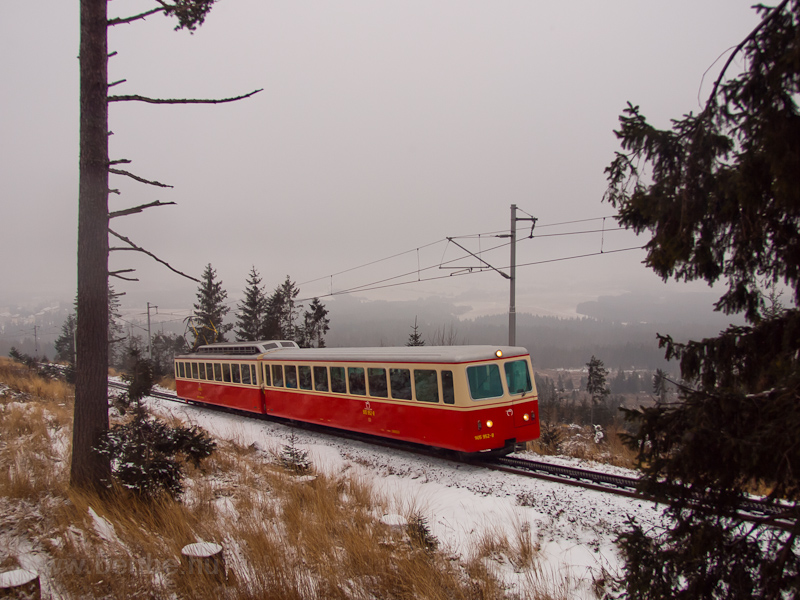 The ŽSSK-OŽ 905 952-8 seen between Tatranský Lieskovec and Štrbské pleso photo