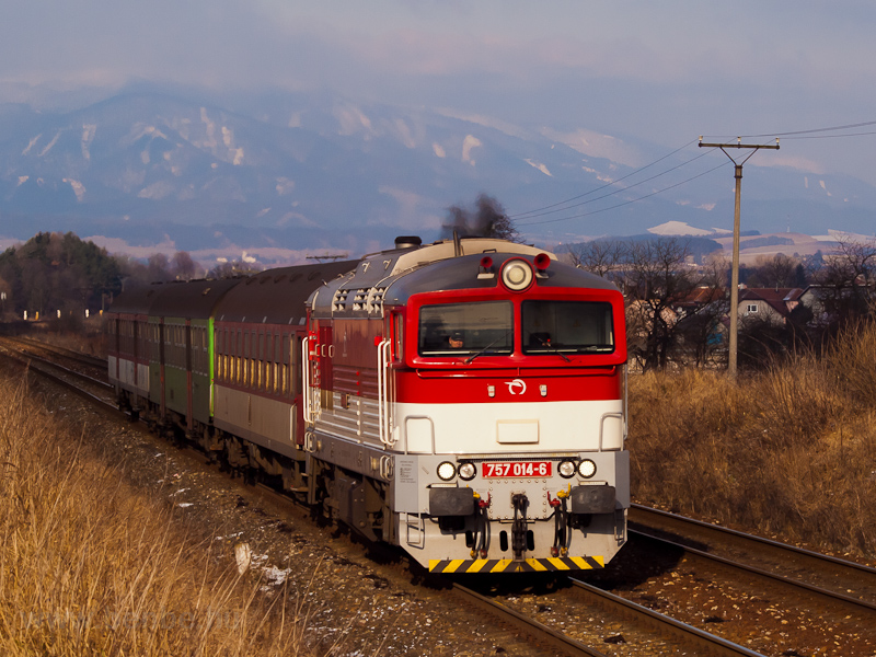 The ŽSSK 757 014-6 seen between Turčianske Teplice and Alsóstubnya elágazás photo
