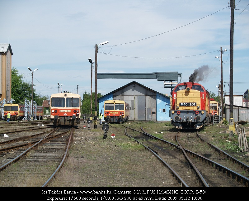 Mozdonyparádé Balassagyarmaton - fõszerepben M40 201 fotó