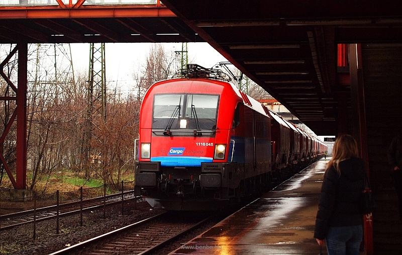 A RailCargoHungaria 1116 045-ös Taurusa Kőbánya-Kispest állomáson fotó