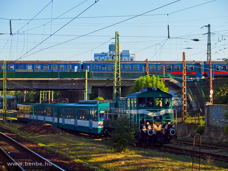 A BKV 735 pályaszámú HÉV-Bo fotó