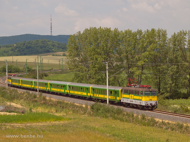 The GYSEV V43 334 between Harka and Kópháza photo
