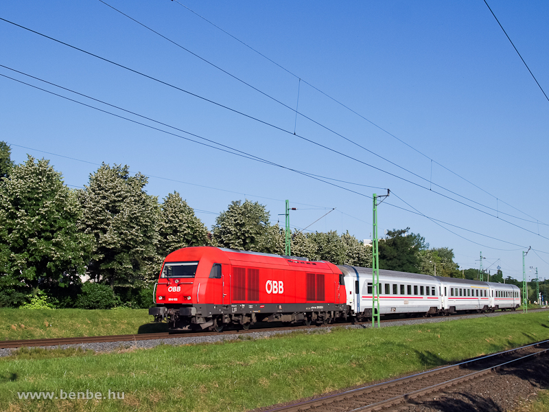The ÖBB 2016 022 between Sopron-Ipartelepek (used to be Sopron-Déli) and Sopron-GYSEV photo