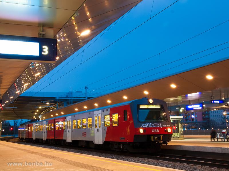 Az ÖBB 6020 281-9 Praterste fotó