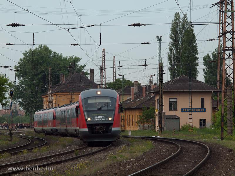 A MÁV-START 6342 019-4 pályaszámú Desirója Rákosrendezőn fotó