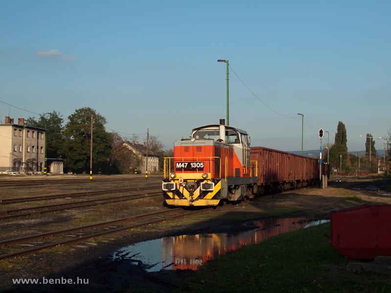 M47 1305 tolat Tokodon fotó