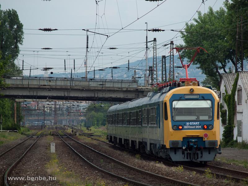 A MÁV-START BDVmot 004 Rákosrendező és Budapest-Nyugati között fotó
