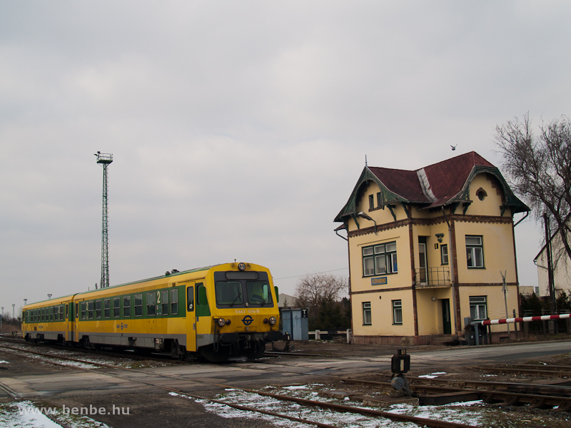 The GYSEV 5147 511-9 at Körmend station photo