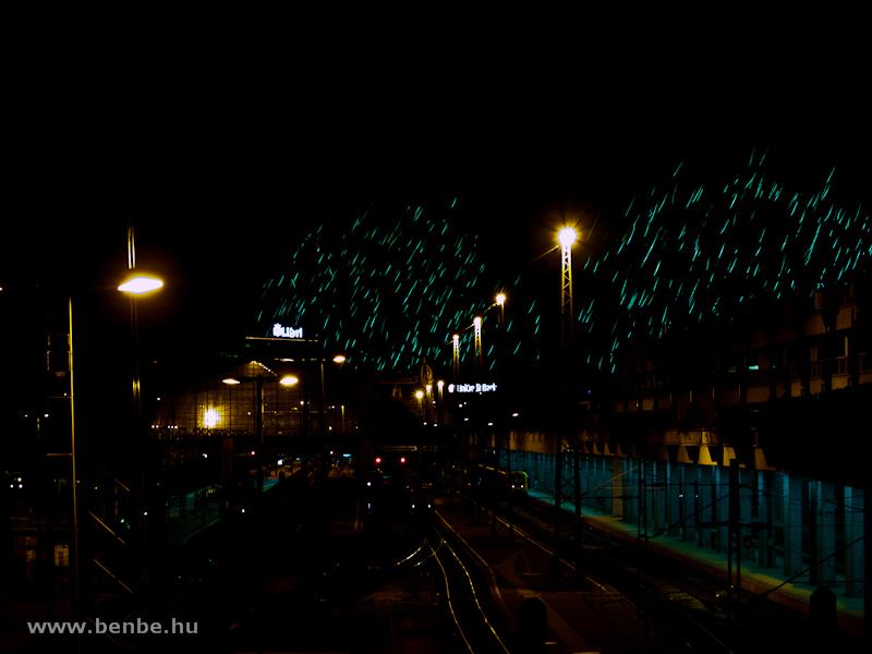 Sarki fény a Nyugatiban fotó