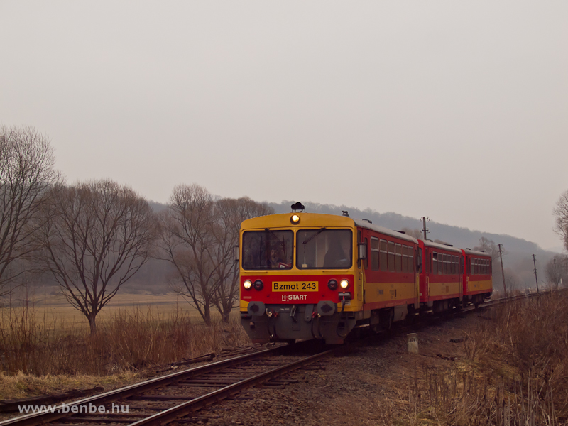 The Bzmot 243 between Berkenye and Szokolya photo