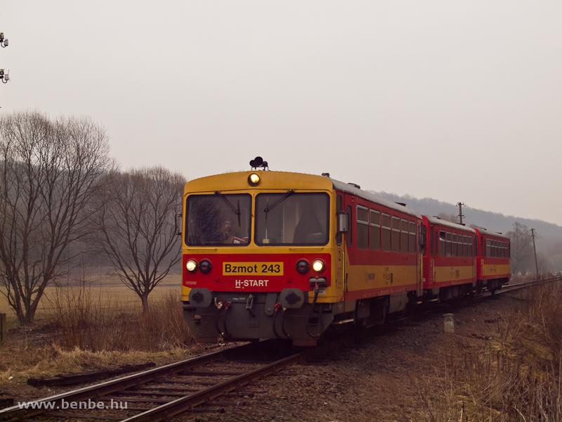 A Bzmot 243 Berkenye és Szokolya között fotó
