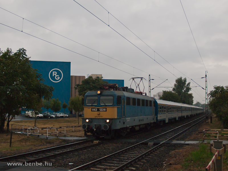The V43 1226 between Kőbánya-Kispest and Kőbánya alsó photo