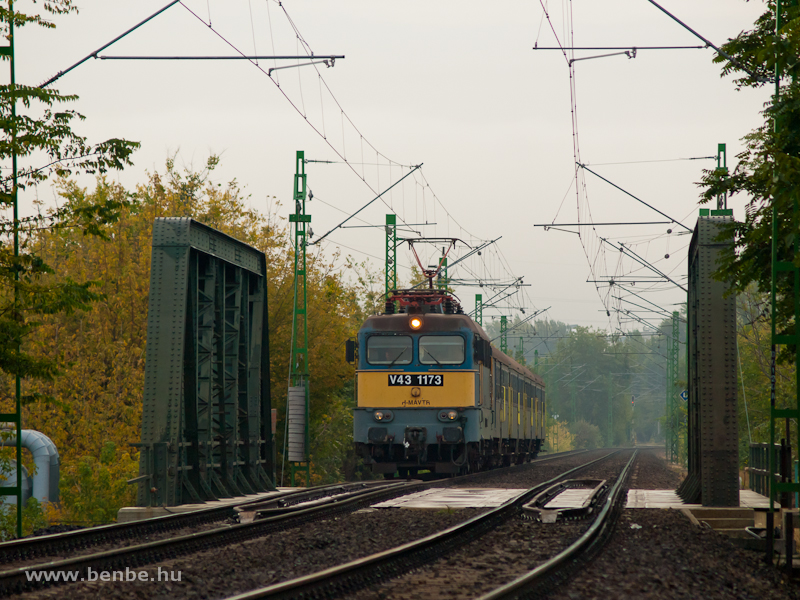 The V43 1173 near Ferencváros photo
