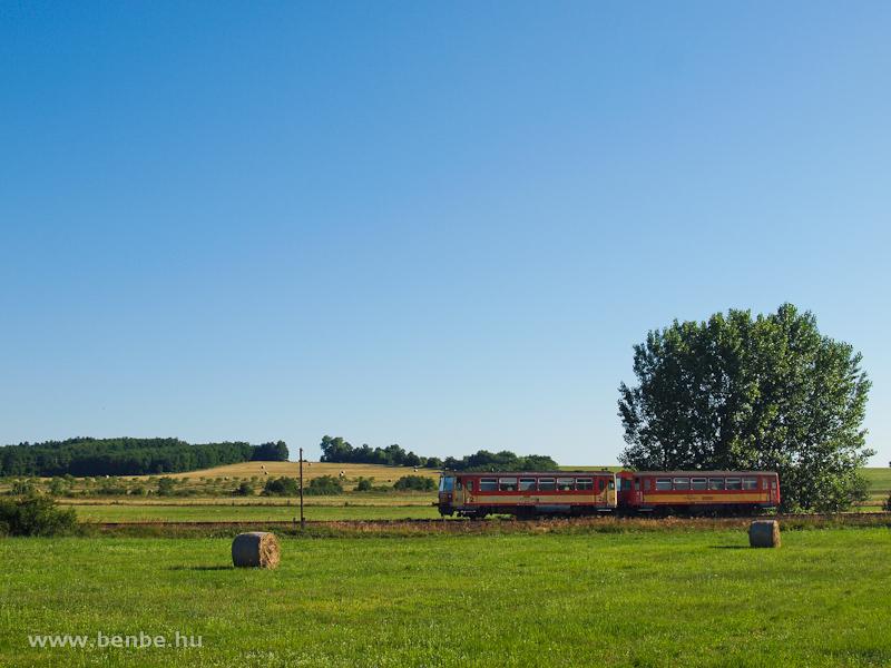 Ismeretlen Bzmot motorvonat Borsosberény és Diósjenő között fotó