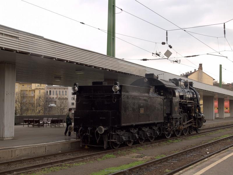 A 328,057 a Délipályaudvaro fotó