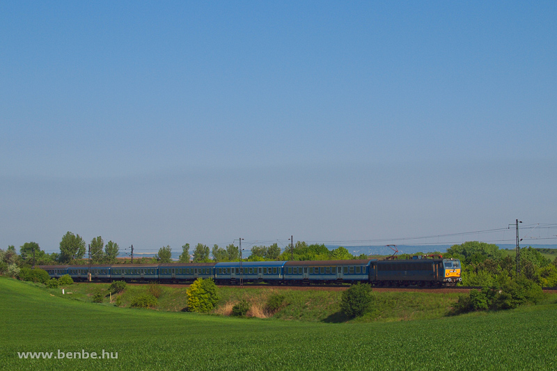 The V63 152 at Biatorbágy photo