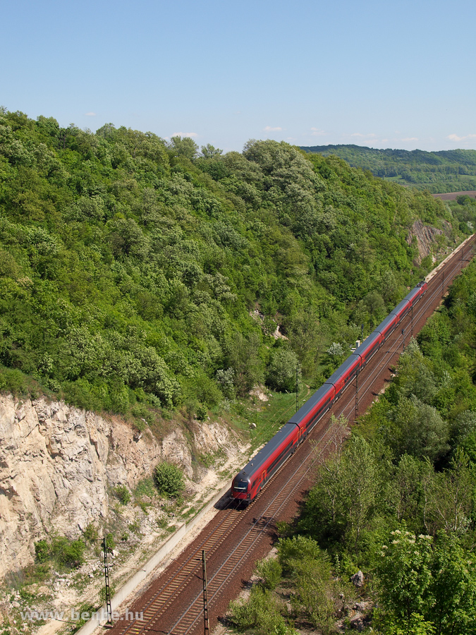 A  railjet  near Alsógalla photo