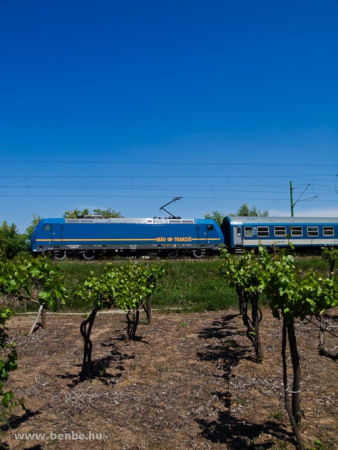 A MÁV-TR 480 020-1 pályaszámú TRAXX/Kéktégla Üllőnél fotó