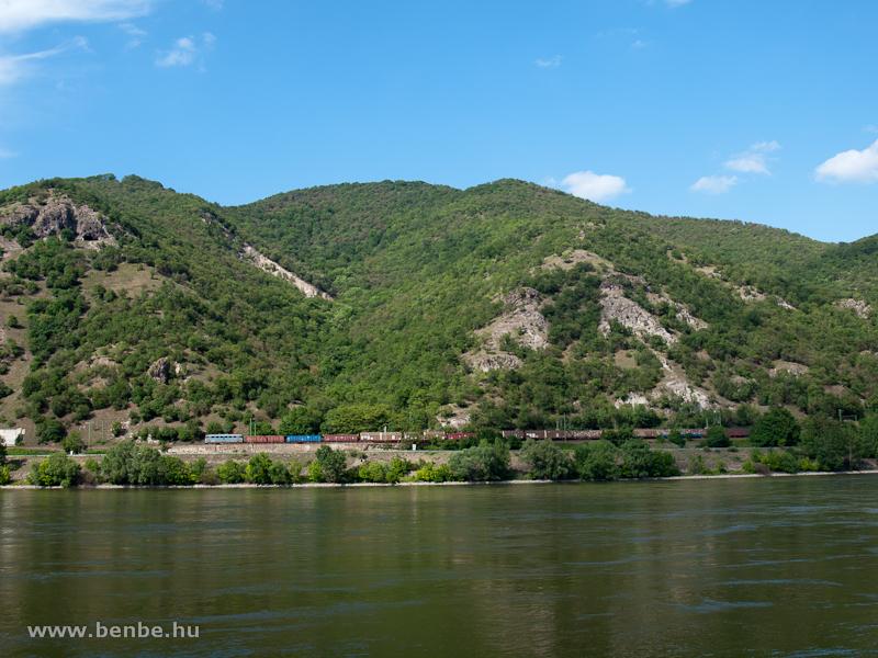 Szili tehervonattal a Dunakanyarban fotó