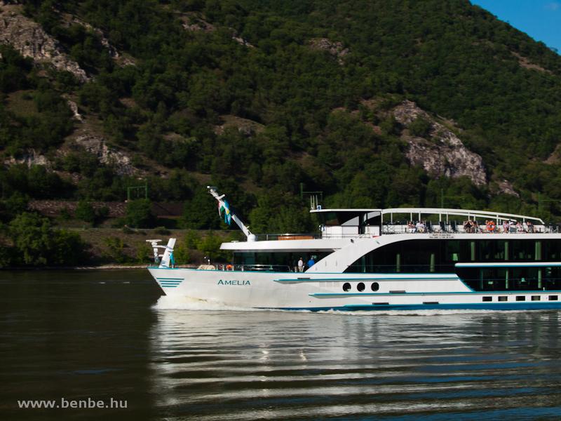 Az Amelia szállodahajó a Dunakanyarban fotó