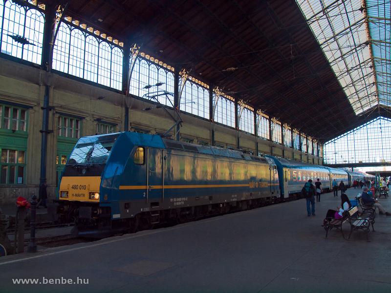 480 010 a Nyugati pályaudvaron fotó
