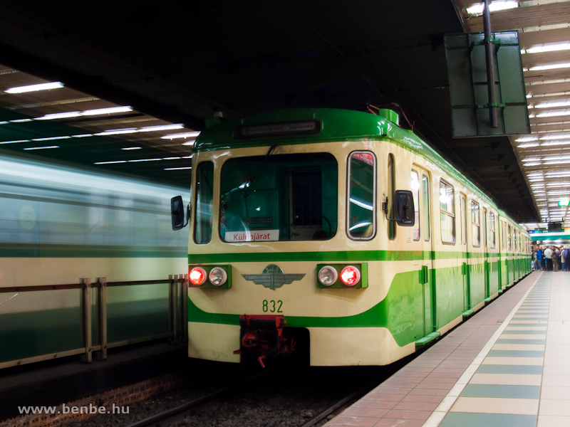 The retro MIX/A suburban electric trainset is seen at Batthyány tér photo