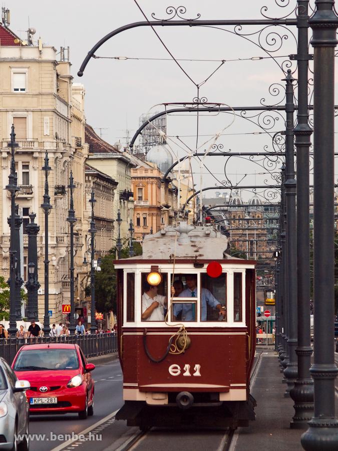 The BKVT historic tram number 611 on Margit-híd photo