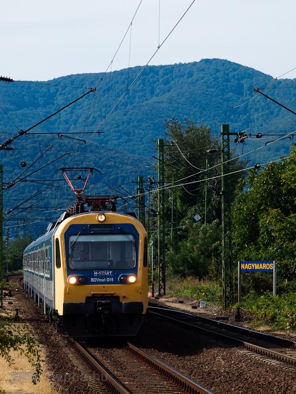 A BDVmot 011 Nagymaros állomás és Nagymaros-Visegrád megállóhelyek között fotó