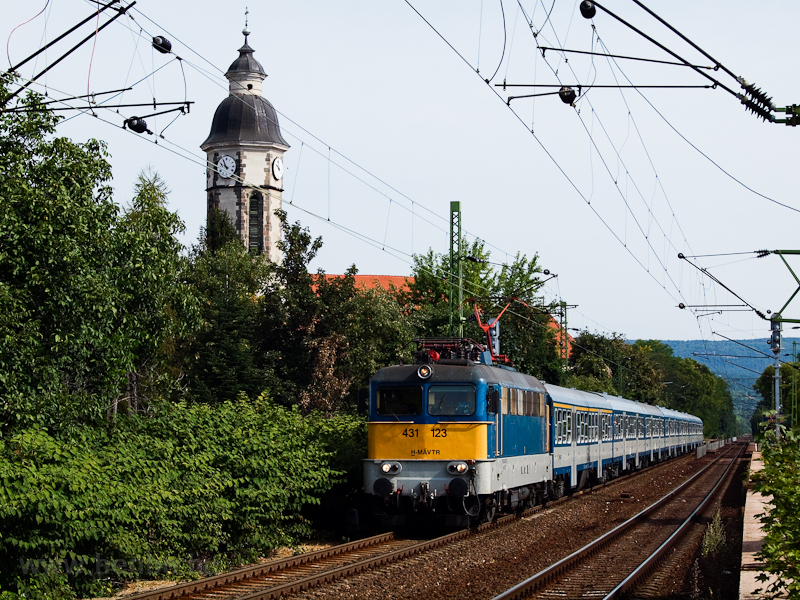 The 431 123 at Nagymaros-Visegrád photo