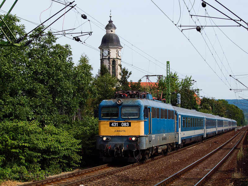 The 431 083 at Nagymaros-Visegrád photo