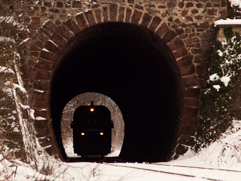 The 6342 016-0 is seen in the tunnel at Balatonakarattya photo