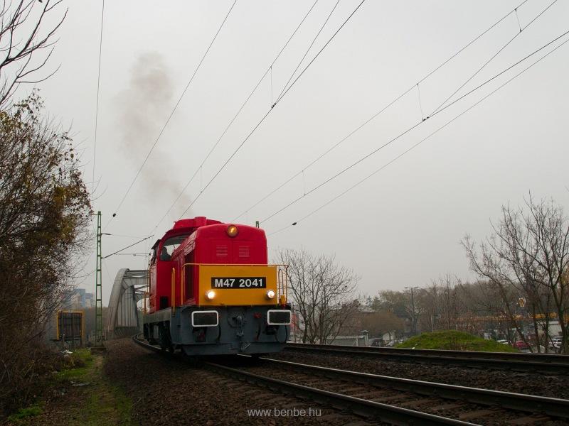 M47 2041 a Bartók Béla útnál fotó