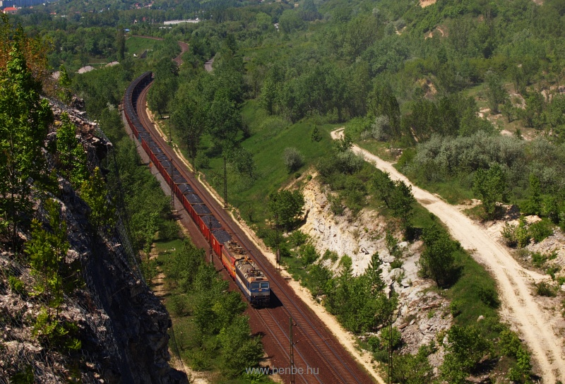 A ŽSSKC 363 and 240 is seen with a coal train near Alsógalla photo
