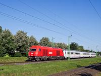 Az �BB 2016 022-es Herkulese a Z�gr�b/Zagreb gyorsvonattal Sopron-Ipartelepek (volt Sopron-D�li) �s Sopron-GYSEV k�z�tt