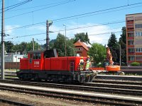 Az ÖBB 2068 036-9 pályaszámú dízel-hidraulikus tolatómozdonya Salzburg Hauptbahnhof állomáson