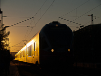 The 5341 027-0 at T�r�kb�lint in the golden hour