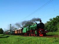 A MÁV Nosztalgia kft. - Déli Vasút 109,109 pályaszámú gőzmozdonya egy dunakanyari roncsderbivel Káposztásmegyernél