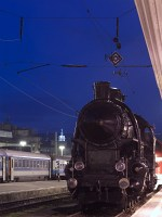 The MÁV 328,054 steam locomotive at Budapest-Déli in the blue hour
