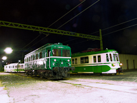 The other MIX/A retro trainset and a Tiger locomotive (number LVII 85) at Szentendre