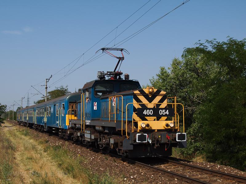 A 460 054 Taksony és Dunavarsány között - a meleg miatti sebességkorlátozásokat a Szöcskék jobban viselik  fotó