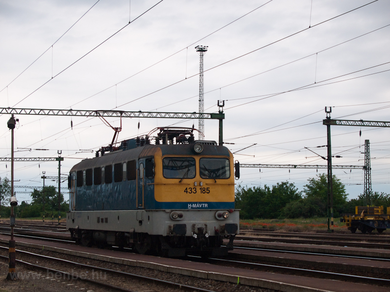 The 433 185 seen at Pusztas photo