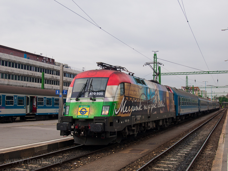 The GYSEV 470 505 seen at B photo