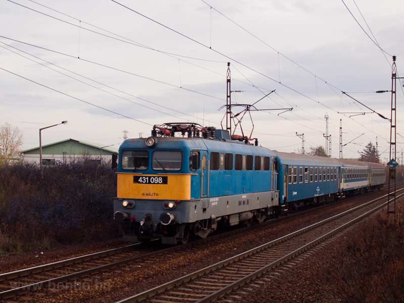 The 431 098 at Füzesabony photo