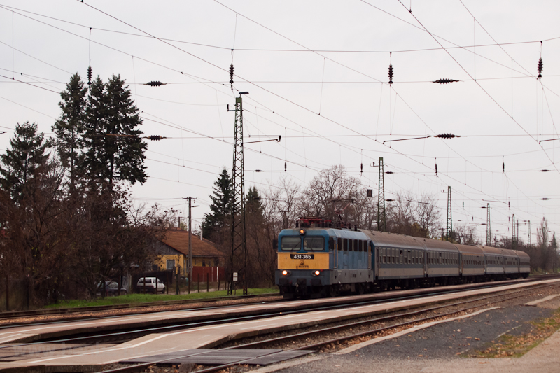 The 431 365 seen at Isaszeg photo