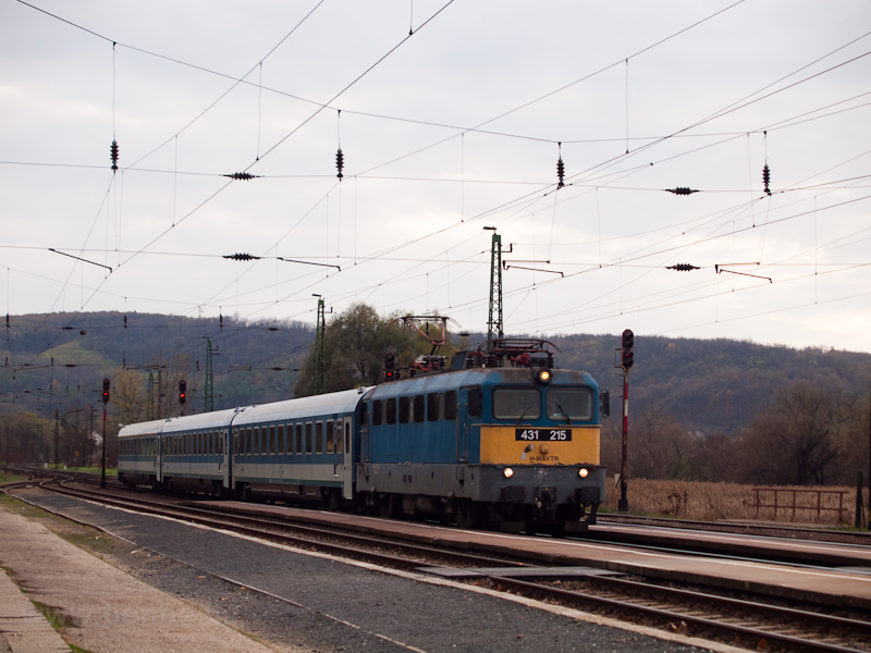 The 431 215 seen at Isaszeg photo