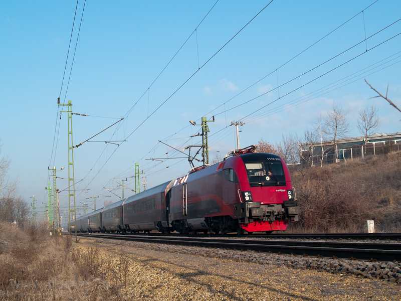 A  railjet  at Biatorbágy ( photo