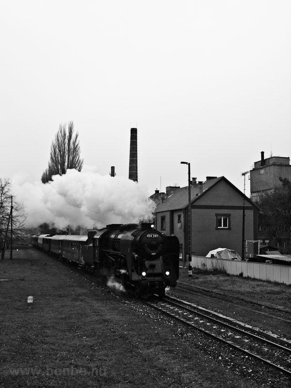 The 424,247 seen at Eternitgyár photo